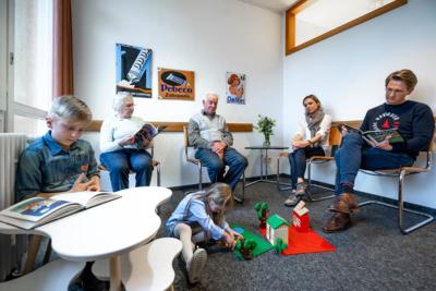 Zahnarzt Hüttlingen - Dr. Scheuermann - das Wartezimmer unserer Praxis